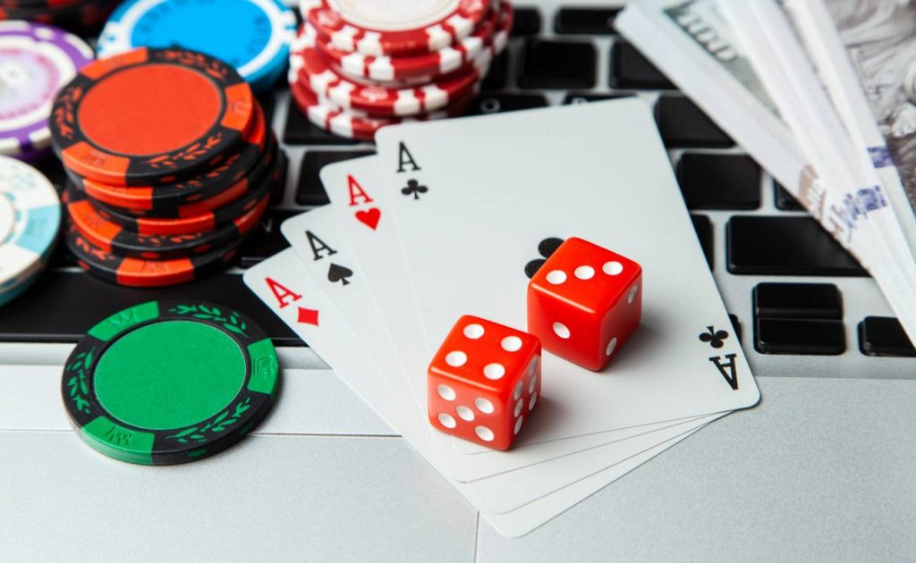 Avail The Line Of Same Entertainment In Any Of The Online Casino